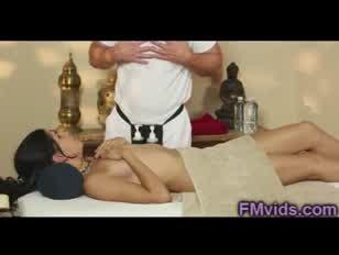 Jordana calor gargarejo após massagem