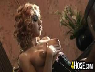 Assistir trailer de filmes pornô no celular